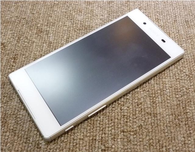 ドコモ スマートフォン エクスペリア Z5 SO-01H