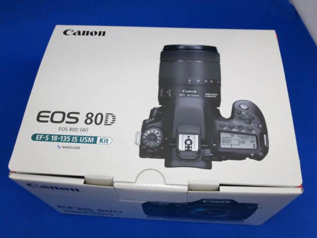 展示品 Canon EOS 80D EF-S18-135 IS USM レンズキット