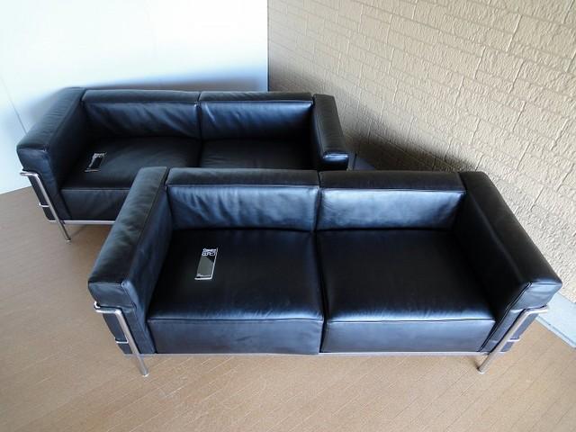 Cassina LC2 × 2台