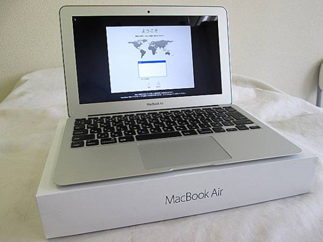 MacBook Air 11インチ EARLY2015 i5 8GB