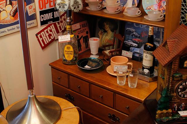 Ethan Allen 食器棚