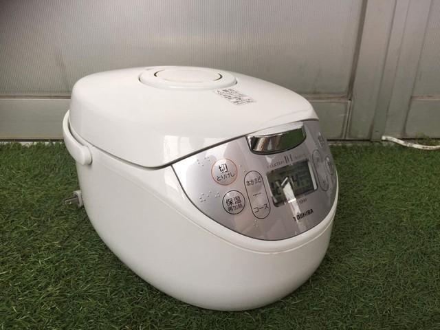 TOSHIBA 東芝 IHジャー 炊飯器 5.5合炊き ホワイト