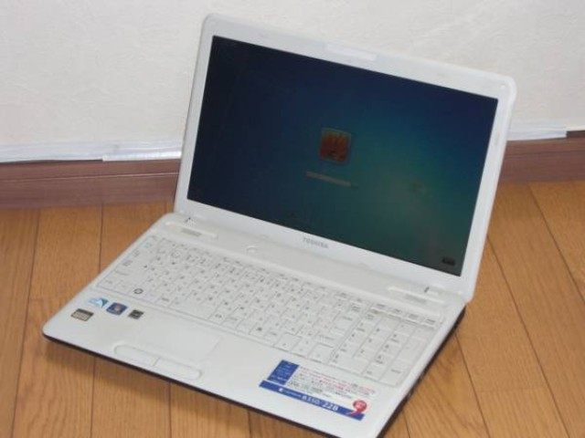 ジャンク TOSHIBA dynabook B350/22B PB35022BSTW Win7