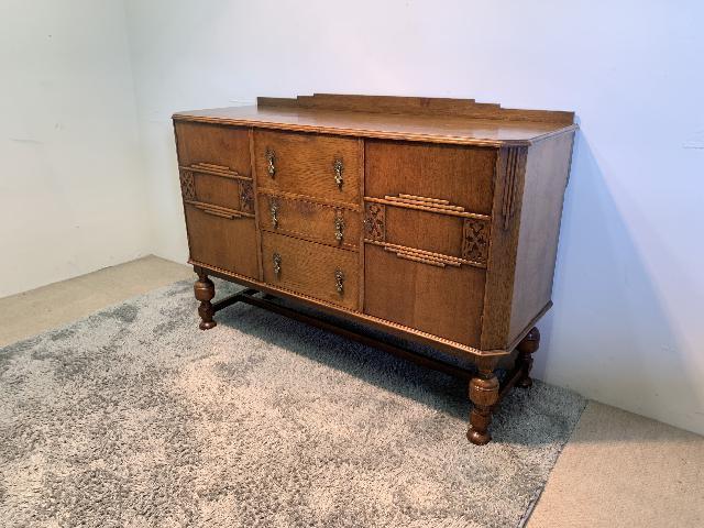 大阪府堺市より 英国 アンティーク サイドボード 無垢材 イギリス家具 を出張買取致しました。