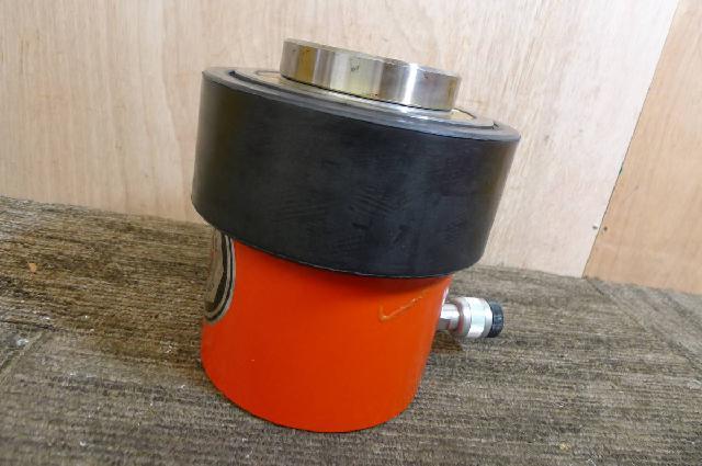 理研精機の油圧シリンダ
